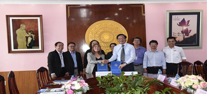 MOU Signing Ceremony Between Dong Thap University and Samar State University